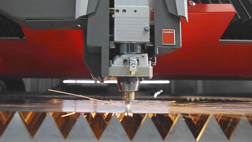 Whether aluminum, non-ferrous metal, or steel: The Bystronic cutting head impresses with the highest precision in thin and thick sheet metals and profiles.